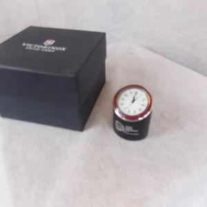 Victorinox Other - Victorinox SwissArmy Original Desk Clock Red Bezel
